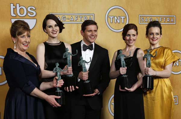 downton---elenco-com-o-sag