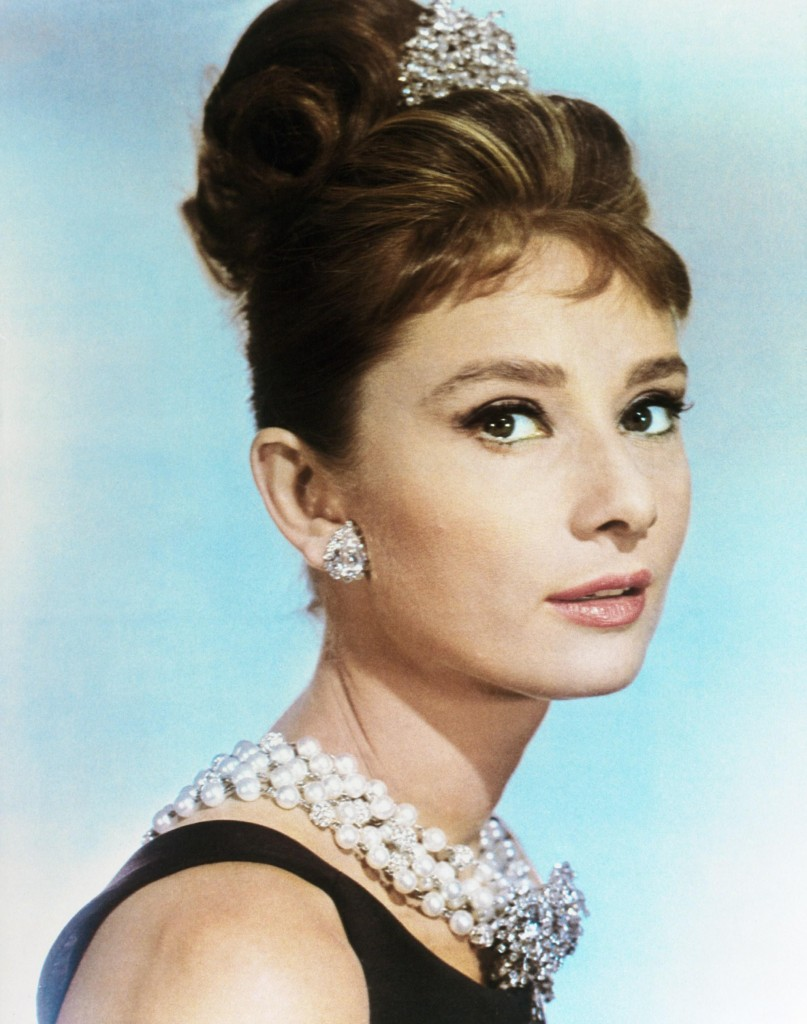 Breakfast-at-tiffany-audrey as holly