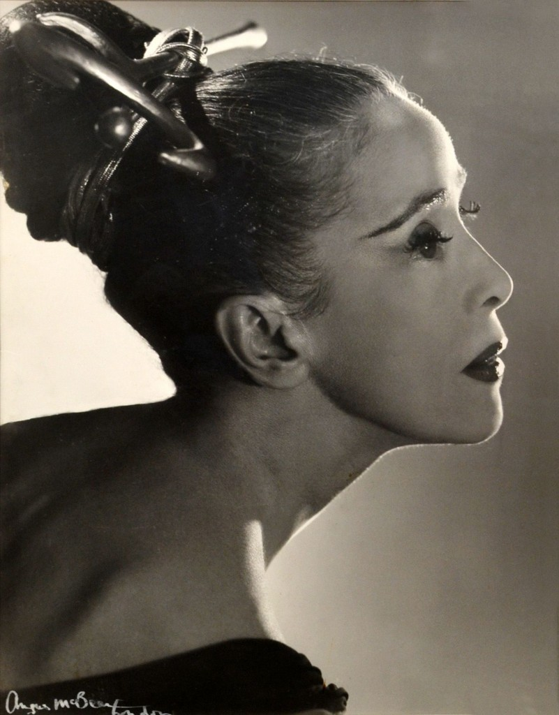 Martha-Graham-by-Angus-McBean