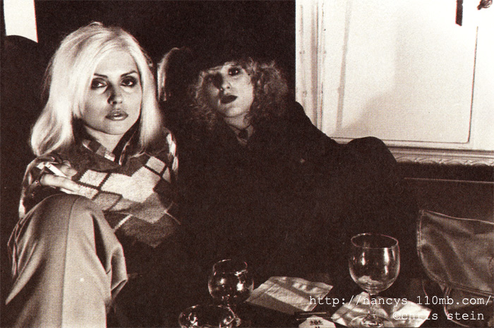 Nancy-Debbie-nancy-spungen-23402035-700-465
