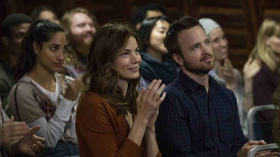 "Michelle Monaghan e Aaron Paul numa cena de ""The Path'"